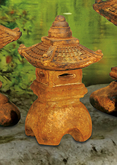 Small Great Pagoda Lantern